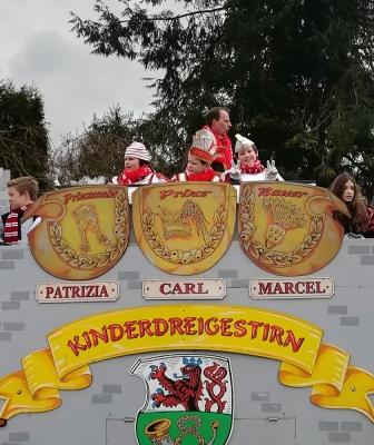 Rosenmontagszug, Höhepunkt des Straßenkarnevals…